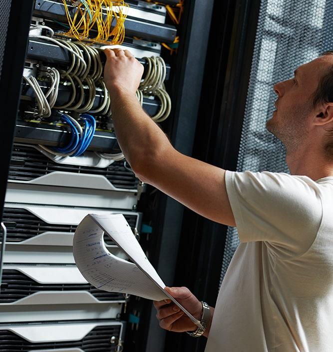 Expertise in inrichten, migratie en advies, automated deployment en beheer van open-source, hybride en cloud databases / platformen